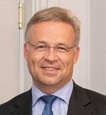 Dr. Andreas Schwer